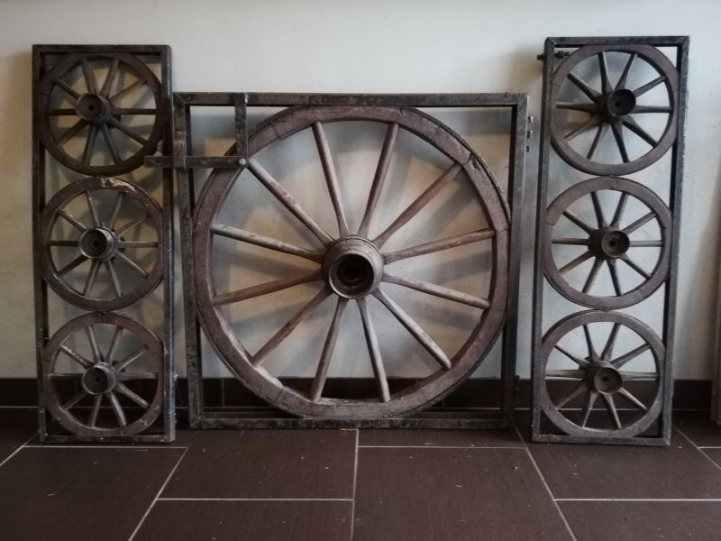 19. Antieke Wagenwielen